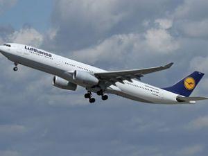 Boeing 747 uçağı Washington'a havalandı