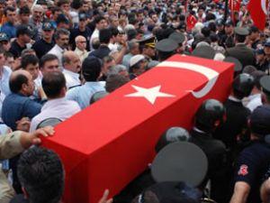 Diyarbakır'da çatışma: 13 asker şehit