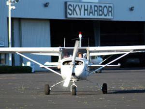 11 yaşında uçakta pilot koltuğuna oturdu