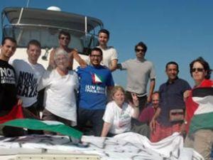 Karama gemisi 10 aktivistle yola çıktı