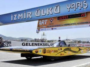 Güneş enerjisiyle çalışan araçlar yarıştı