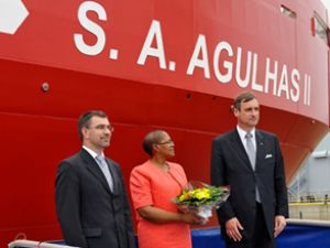 S.A. Agulhas II gemisi denize indirildi