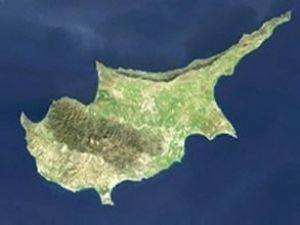 Kıbrıs'ın hava sahası mayın tarlası gibi