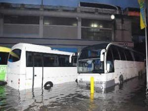 İstanbul Otogarı'nın garajını su bastı