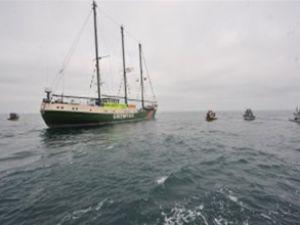Greenpeace'in 22 yıllık gemisi artık hastane