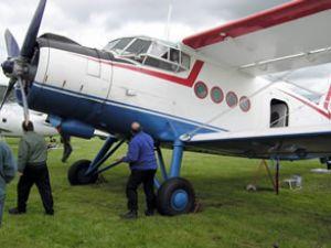 Uçak sert iniş yaptı: 1 ölü, 8 yaralı