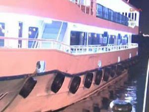 Yolcu teknesi ile kuru yük gemisi çatıştı!