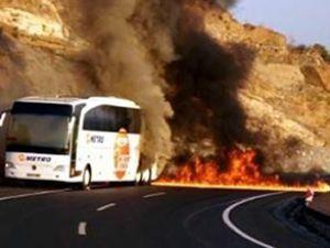 Otobüsteki 50 yolcu ölümden döndü