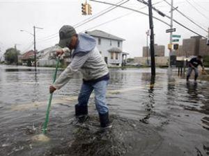 Irene, New York'u sular altında bıraktı