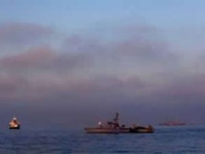 İsrail, Mısır sınırına iki gemi daha yolladı