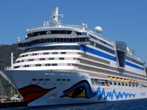 """Lüks gemi """"Aida Diva"""" Marmaris'e geldi"""