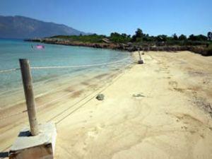 Kleopatra Plajı ziyaretçi akınına uğruyor
