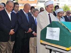 Süreyya Ciliv'in vefat eden babası toprağa verildi