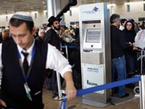 İsrail, Türk yolcuları didik didik aradı