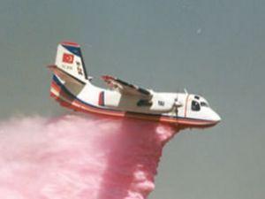 Helikopter yangın yerine TEM'i suladı