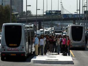Kadıköy'de metrobüs kazası: 5 yaralı