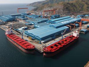 Subic, iki yeni kargo gemisini suya indirdi