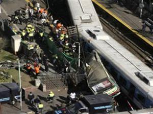 Arjantin'de tren 11 kişiyi böyle biçti