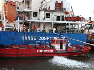 İki gemi Hamburg Limanı'nda çatıştı!