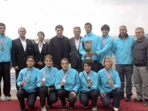 Karadeniz'de kürek yarışları sona erdi