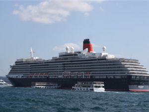 Queen Victoria gemisi Boğaz'a demirledi