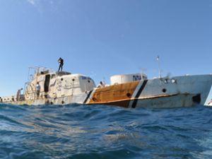 Batırılan gemi denizin dibine yerleşti