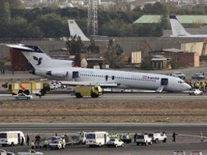Iran Air uçağı burun üstüne iniş yaptı