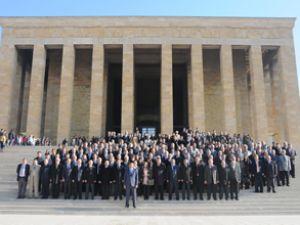 PTT'den 171. yaşında Anıtkabir'e ziyaret