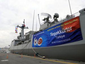 Güney Kore savaş gemisinde resepsiyon
