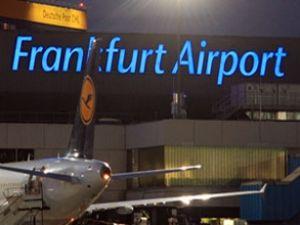 Frankfurt Havaalanı'na imza kampanyası