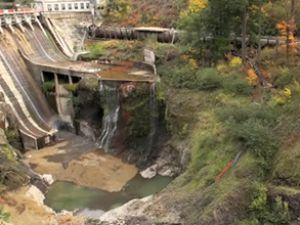ABD'de 98 yıllık baraj böyle patlatıldı