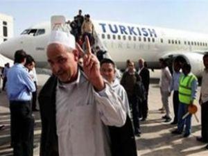 Trablus'a ilk yolcu uçuşunu THY yaptı