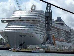 Yolcu gemisi 'Splendida', Marmaris'e geldi