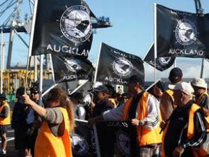 Auckland'da liman işçileri greve gidiyor