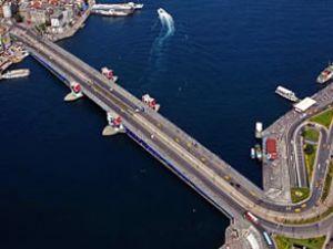 Atatürk Köprüsü araç trafiğine kapanacak