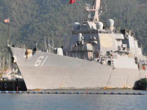 'USS Ramage' gemisine çıkmaya çalıştı