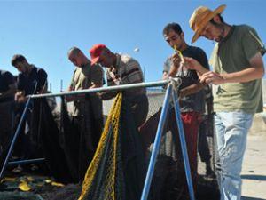 Karadeniz'de balıkçılar av molası verdi