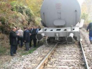 Sakarya'da mazot yüklü tren raydan çıktı
