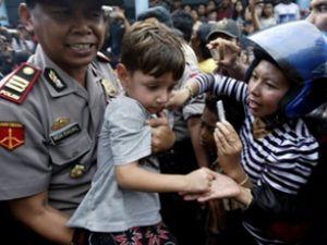 Batan göçmen gemisinin yolcuları aranıyor