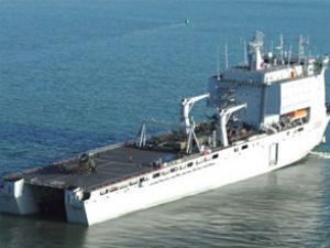 Avustralya, HMAS Choules'i teslim aldı