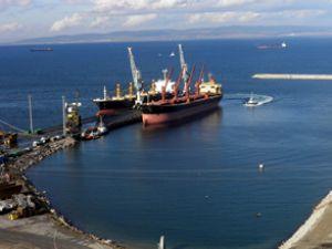 İÇDAŞ Limanı'na aynı gün 22 gemi geldi