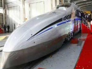 Çin'in yeni treni 'Kılıç' 500 km hız yapacak