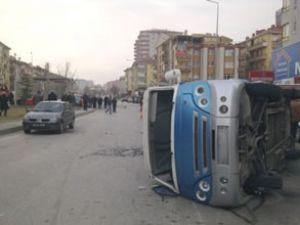 Ankara'da trafik kazası: 15 yaralı