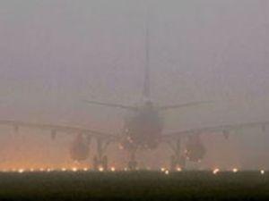 Atatürk Havalimanı yoğun sis altında kaldı