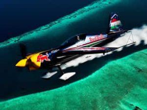 Maldivler'de akrobatik hava gösterisi yapıldı