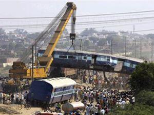 Hindistan'ın kuzeyinde tren kazası: 4 ölü