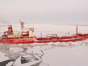 Buz tutan denizde zamanla yarış