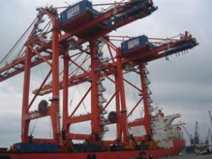 Mersin Limanı iki yeni vincini teslim aldı