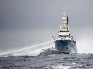 Avustralya eyelmciler için gemi gönderdi