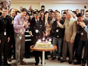 Sky Havayolları pilotu Yenilmez emekli oldu